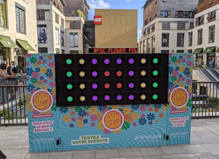 Mon Mur Digital à l'image de l'événement Flower Power organisé par la Promenade Sainte Catherine