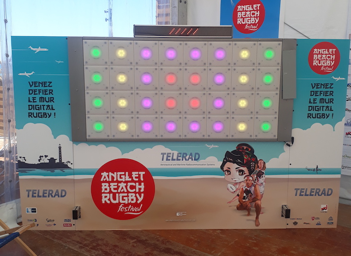 Mur digital à l'image du festival Anglet Beach Rugby